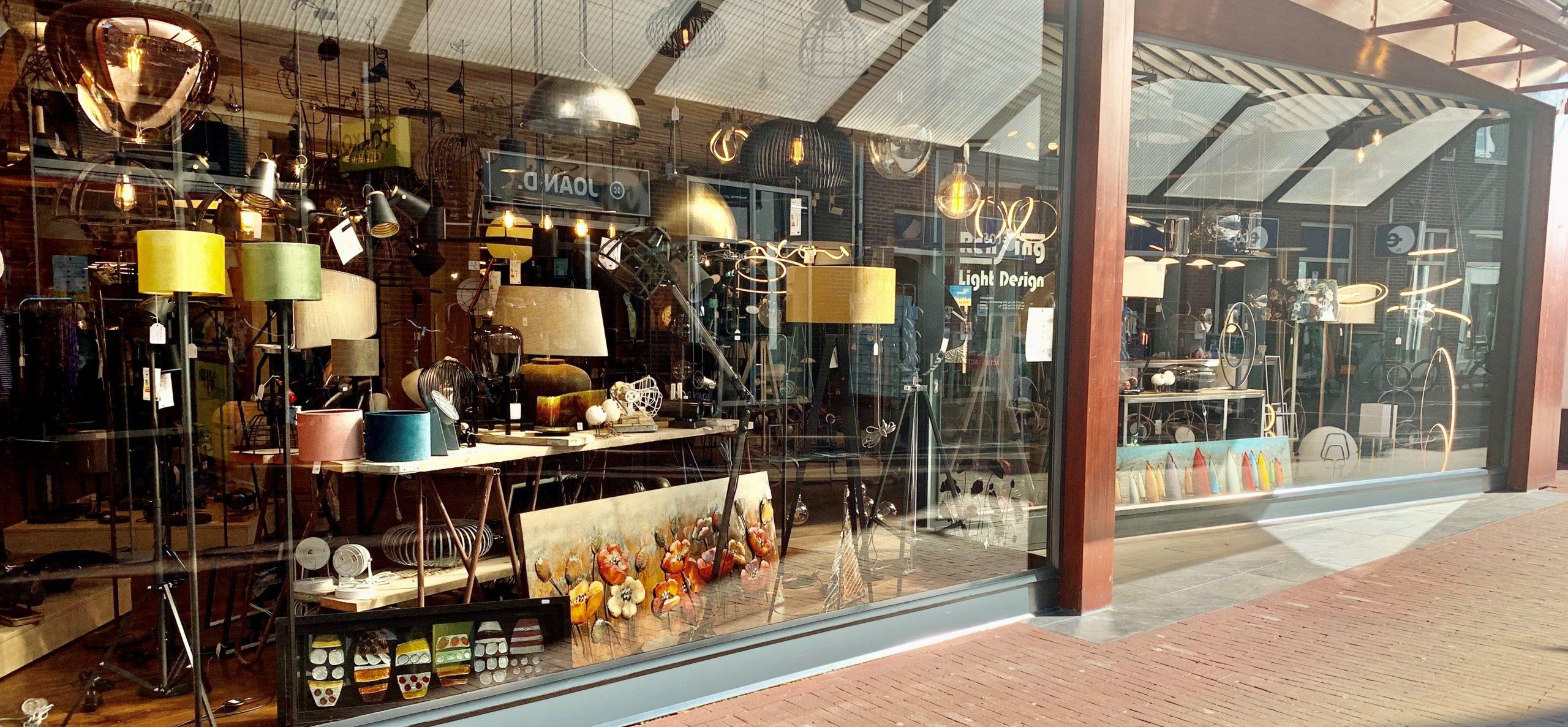 Vooraanzicht van de winkel Rensing Light Design